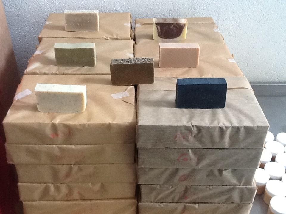 huile s che repulpante 100 ml les savons de pierre. Black Bedroom Furniture Sets. Home Design Ideas